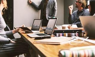 Une solution flexible : les ateliers formations bureautique en présentiel